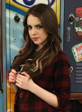 Jade in Beck's shirt Elizabeth Gillies, Elizabeth Olsen, Jade West Victorious, Icarly And Victorious, Victorious Nickelodeon, Celebrity Crush, Celebrity Photos, Liz Gilles, Lgbt