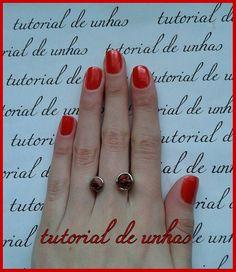 esmalte Fina Flor e anel Pedra do Sol Bijuterias Contemporâneas
