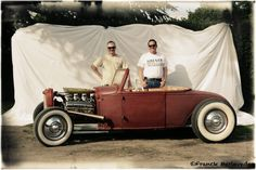 Portrait Hot Rod Hayride - Uno's Ford coupster