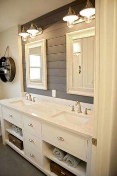 Vintage farmhouse bathroom remodel ideas on a budget (8)
