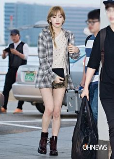 (via Girls Outfit Ideas from K-Pop Airport Fashion Style