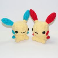 Plusle and Minun by Heartstringcrochet