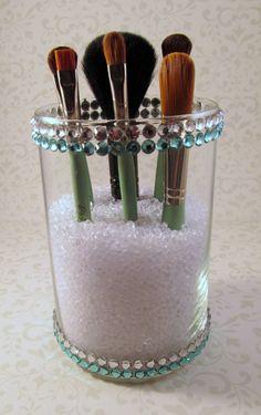 DIY Make-up Pinselhalter Liner und Glitter und Glanz Oh My! Makeup Holder Diy, Diy Makeup Brush, Make Makeup, Makeup Brushes, Makeup Bags, Diy Beauty Storage, Diy Makeup Storage, Diy Storage, Makeup Organization