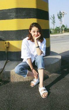 Ulzzang Girl Fashion Style รวมแฟชั่นสุดคูล หน้าร้อนนี้สาวไทยก็ใส่ได้ รูปที่ 22