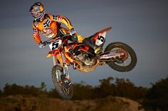 Check out all the latest team photos and pre-season testing for the  upcoming 2012 AMA Supercross Motocross season. Get all the latest  Supercross news and ... 0b56d33d714