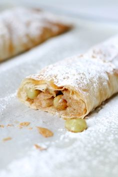 Apfel-Traubenstrudel Apple Desserts, Autumnal, Sweets, Cooking, Ethnic Recipes, Apple Strudle, Quick Recipes, Cakes, Food Food