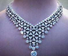 Diamond Pendant Collection K L – Modern Jewelry Real Diamond Necklace, Diamond Pendant Necklace, Diamond Jewelry, Modern Jewelry, Luxury Jewelry, Fine Jewelry, Schmuck Design, Necklace Designs, Sterling Silver Jewelry