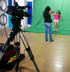"""Sesión de fotos para el programa """"Cosas de chicas"""". Míralo por UCSG TV. #LenteFilosófico #CosasDeChicas"""
