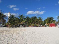 Playa del Norte: West side of beach