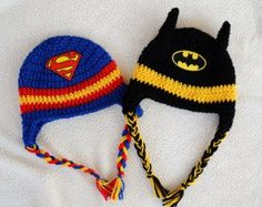 hat crochet superhero Superhero Superman OR Batman inspir ed crochet hat . Crochet Kids Hats, Crochet Beanie Hat, Crochet For Boys, Crochet Crafts, Crochet Clothes, Crochet Projects, Knitted Hats, Boy Crochet, Sewing Projects