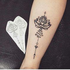 tatouage de femme tatouage fleur de lotus dotwork sur cheville tatouage femme fleur. Black Bedroom Furniture Sets. Home Design Ideas
