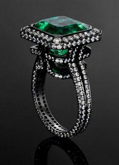Jack Du Rose's Labyrinth ring