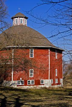 Secrest Octagonal Barn near Downey, Iowa - www.Iowa-photo.com