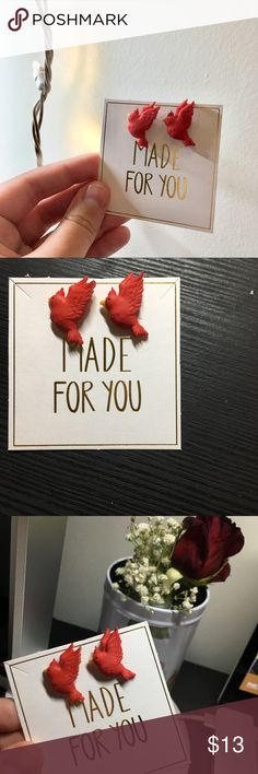 NWT Red Cardinal Earrings These little red birdies are itching to fly out of my boutique and onto your ears. Gold hardware. Handmade by me.   * always same day, rarely next day shipping  * smoke free home  * pet-free except dwarf hamster * offers welcome  * no trades, please * thank you for your consideration, regardless if you purchase or not! Veronica Nagorny Jewelry Earrings Teen Fashion, Fashion Tips, Fashion Design, My Boutique, Dwarf, Little Red, Consideration, Red Gold, Gold Hardware
