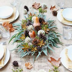 The EASIEST DIY Thanksgiving table decoration centerpiece in 10 minutes for free! Beautiful fall & holiday table setting idea using things you already have! The EASIEST DIY Thanksgiving table decoration centerpiece in 10 minutes for fre Diy Thanksgiving Crafts, Pinecone Crafts Kids, Thanksgiving Centerpieces, Pine Cone Crafts, Christmas Crafts, Thanksgiving Table, Pinecone Decor, Xmas, Outdoor Christmas