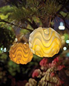 Hanging solar lantern garden light - Soji Modern