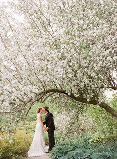 Photography: Lexia Frank Photography - www.lexiafrank.com  Read More: http://www.stylemepretty.com/2014/08/12/charming-springtime-garden-wedding/
