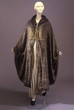 Hooded cape, Mariano Fortuny, c. 1924.