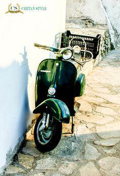Great old Vespa, still looking great Crete..