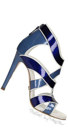 Regilla ⚜ Una Fiorentina in California Stilettos, High Heels, Blue Heels, Pretty Shoes, Beautiful Shoes, Zapatos Shoes, Shoes Sandals, Mode Glamour, Louboutin