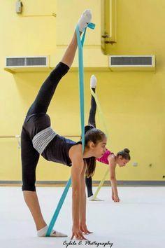 one leg high stretch ballet - Cerca con Google