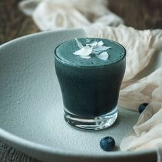 Get more energy throughout your whole morning with this gorgeous combination of nourishing fats from coconut, and protein from Organic Burst Spirulina, to give