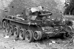 Bundesarchiv Bild Villers-Bocage, zerstörter Cromwell-Panzer - Category:Battle of Villers-Bocage - Wikimedia Commons