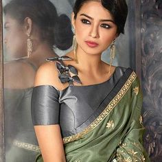 blouse designs latest Here are 25 latest Chiffon Saree Blouse Designs that are trendy and stylish. These latest blouse designs are suitable for all occasions Full Sleeves Blouse Designs, Saree Blouse Neck Designs, Stylish Blouse Design, Fancy Blouse Designs, Saree Jacket Designs Latest, Choli Designs, Lehenga Designs, Chiffon Saree, Silk Sarees