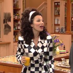 What Fran Wore: Versace checkered shirt Selena Quintanilla, Fran Fine The Nanny, Fran Fine Outfits, Nanny Outfit, Clueless Aesthetic, Frilly Shirt, Black Opaque Tights, Fall Looks, Rock