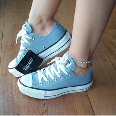 Cc Shoes, Fancy Shoes, Trendy Shoes, Casual Shoes, Mode Converse, Converse Shoes, Fashion Boots, Sneakers Fashion, How To Tie Shoes