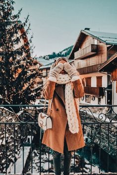 Cold but cute af winter outfits winter fashion, winter og wi Winter Looks, Ohh Couture, Leonie Hanne, Mode Shoes, Outfit Invierno, Foto Casual, Winter Stil, Cozy Winter, Fall Winter