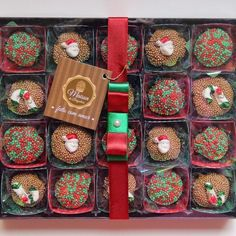 Easy Christmas Crafts, Simple Christmas, Christmas Cupcakes, Candyland, Chocolate, Food Gifts, Love Is Sweet, Coco, Diy And Crafts