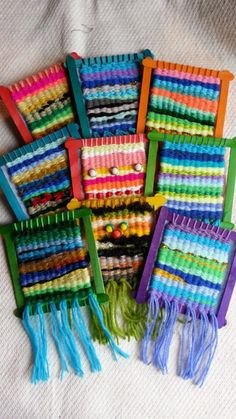 Make a monster face, arms, etc on finished weaving Weaving Textiles, Weaving Art, Weaving Patterns, Hand Weaving, Craft Stick Crafts, Yarn Crafts, Craft Sticks, Weaving For Kids, Homemade Art