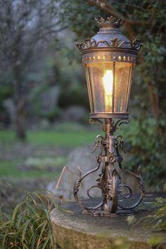 Robers Pedestal Lamp Al6625