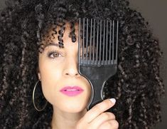 routine capillaire, routine capillaire matin, essobele, rafraichir ses boucles, routine matin Routine Matin, Dreadlocks, Hoop Earrings, Hair Styles, Beauty, Frizzy Hair, Dry Hair, Natural Hair, Beauty Tricks