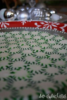 Serve dessert on a beautiful {and edible} peppermint serving tray!