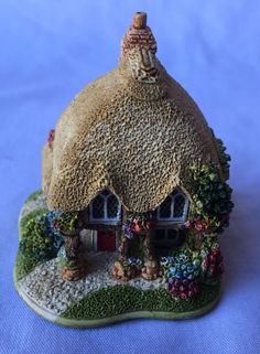 Lilliput Lane Lily of the Valley L2349