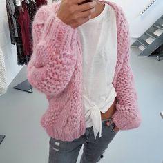 Pink love  #kirobykim #handknit #fashion #style #cardigan #chunkyknit #pink #nowavailable
