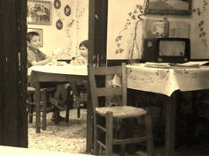 Old Athens, my favorite neighborhood tavernas Greece Pictures, Old Pictures, Old Photos, Picnic Spot, Acropolis, Athens Greece, Old And New, Documentary, Centre