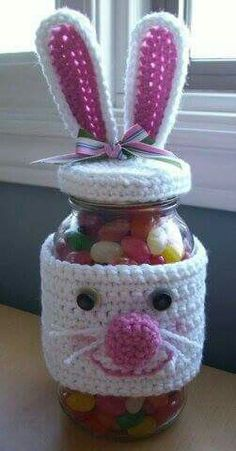 Unique Easter Holiday Gift Wrapping Ideas crochet bunny jar gift: The post Unique Easter Holiday Gift Wrapping Ideas appeared first on Urlaub. Easter Crochet Patterns, Crochet Bunny, Crochet Home, Crochet Gifts, Free Crochet, Knitting Patterns, Knitted Bunnies, Quilt Patterns, Easter Projects