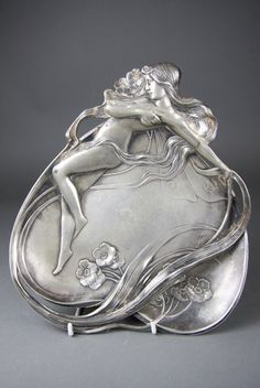 German Art Nouveau pewter dish, Würtemburgische Machin Fabrik (WMF), ca. Belle Epoque, Jugendstil Design, Design Floral, Art Nouveau Design, Art Nouveau Jewelry, Oeuvre D'art, Love Art, New Art, Antique Silver