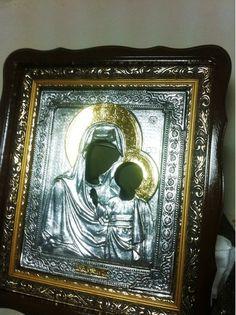 Добрый день! Наши хорошие друзья с Урала прислали результаты работы по золочению иконостаса зеркальной золотой поталь-краской №1. Работают по водной