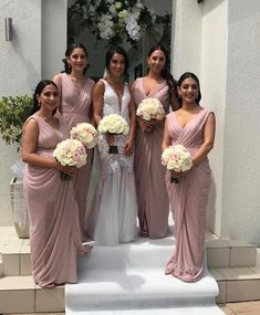 Our gorgeous bride Katherine with her bridesmaids wearing our Angelica from Les Demoiselle in custom colour dusty pink 💕 Pink Bridesmaid Dresses Short, Wedding Bridesmaid Dresses, Pink Bridesmaids, Expensive Wedding Dress, Wedding Dress Shopping, Cocktail Length Dress, Informal Wedding Dresses, Wedding Dreams, Dream Wedding