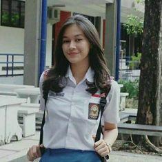 Cute Asian Girls, Cute Girls, Cool Girl, Indonesian Women, Cute Young Girl, Female Character Inspiration, Short Wavy Hair, High School Girls, Girl Body
