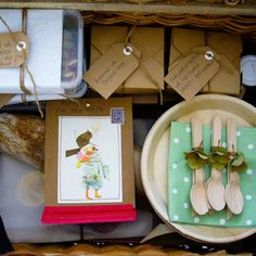 Bespoke picnic hampers by Sydney Picnic Co - Handmade parcels and gourmet goodies