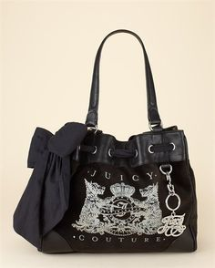 Juicy <3  I bought this bag in San Diego, one of my favs!! (usually use it as an overnight bag for my daughter)