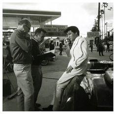 """Elvis filming """"Clambake"""""""