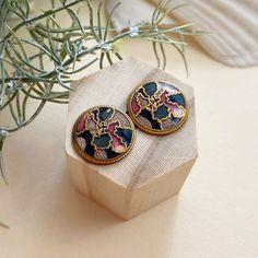 BohoKimono - Gemstone Jewellery, Boho Clothing   BohoKimono Boho Kimono, Mosaic Designs, Modern Boho, Boho Outfits, Ear Piercings, Gold Earrings, Class Ring, Gemstone Jewelry, Vintage Ladies