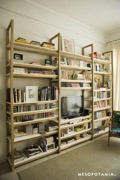 a_MODELO_CAMARO_petiribi_y_estantes_laqueados_ATI_2_con_logo Muebles Living, Pretty Room, Wooden Shelves, Bookshelves, Home Furnishings, Shelving, Living Spaces, Sweet Home, New Homes
