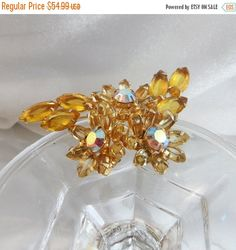 This #vintage Juliana brooch just takes your breath away.  It features sparkling…